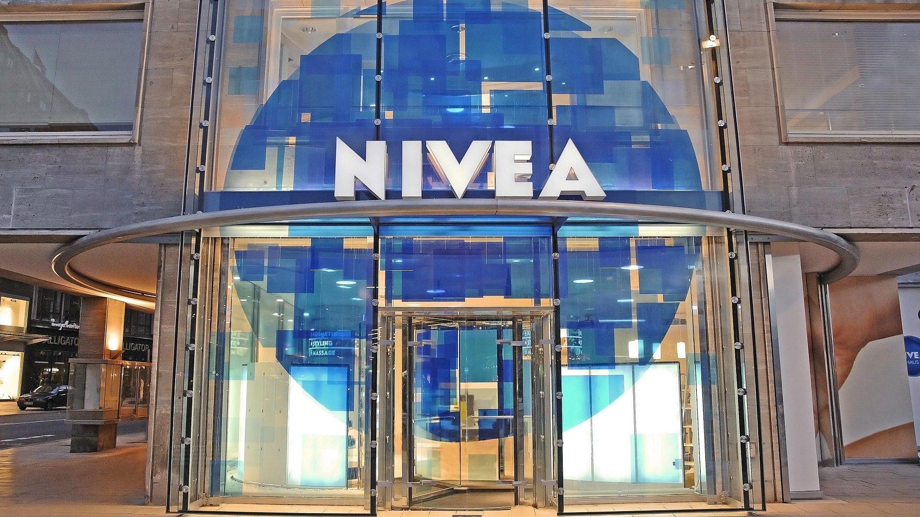 Beiersdorf Nivea Haus Feiert Jubilaum