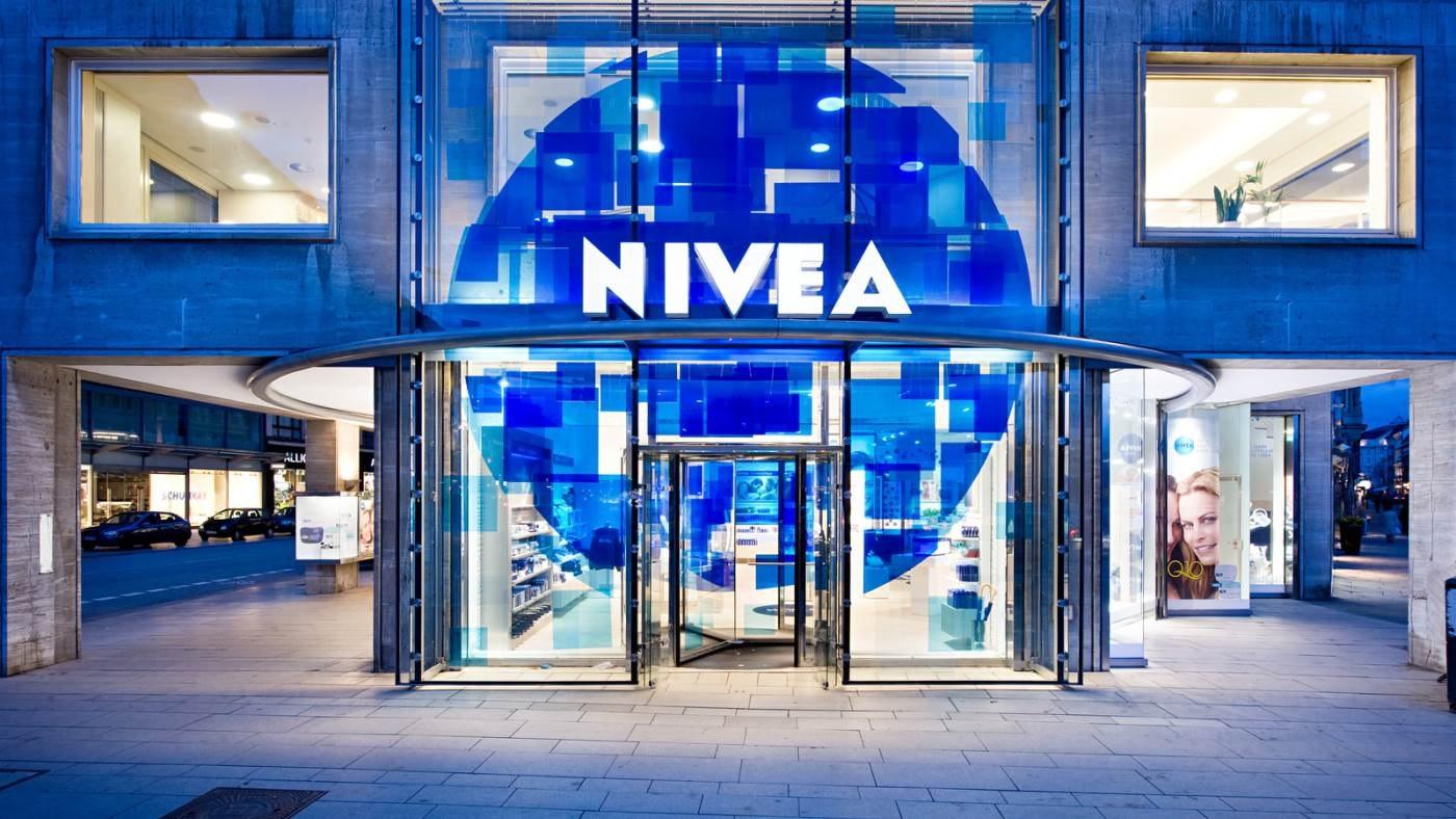 Beiersdorf eröffnet das weltweit erste NIVEA Haus